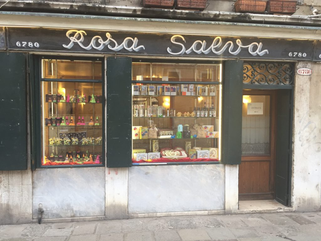 Devanture de la boulangerie Rosa Salva à Venise
