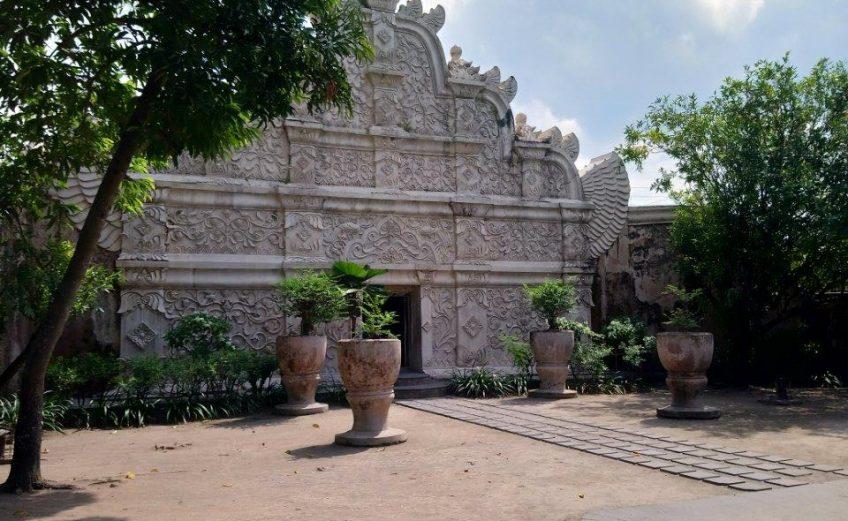 Water Castle - Java
