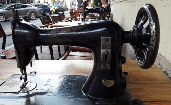 bar machine à coudre