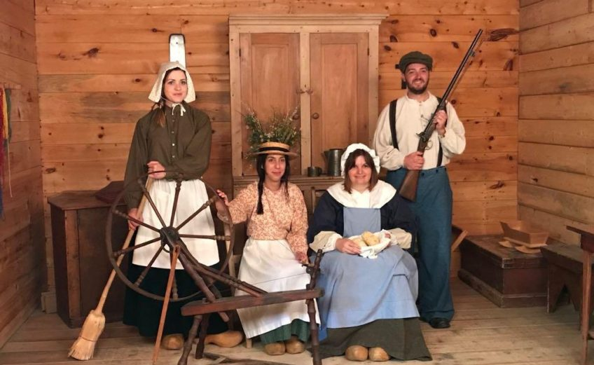 village acadien costumes