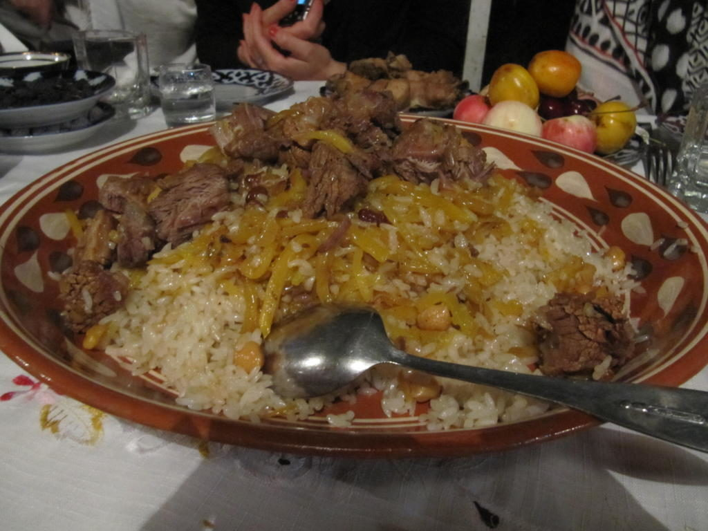 "plat local le ""plov ouzbek"""