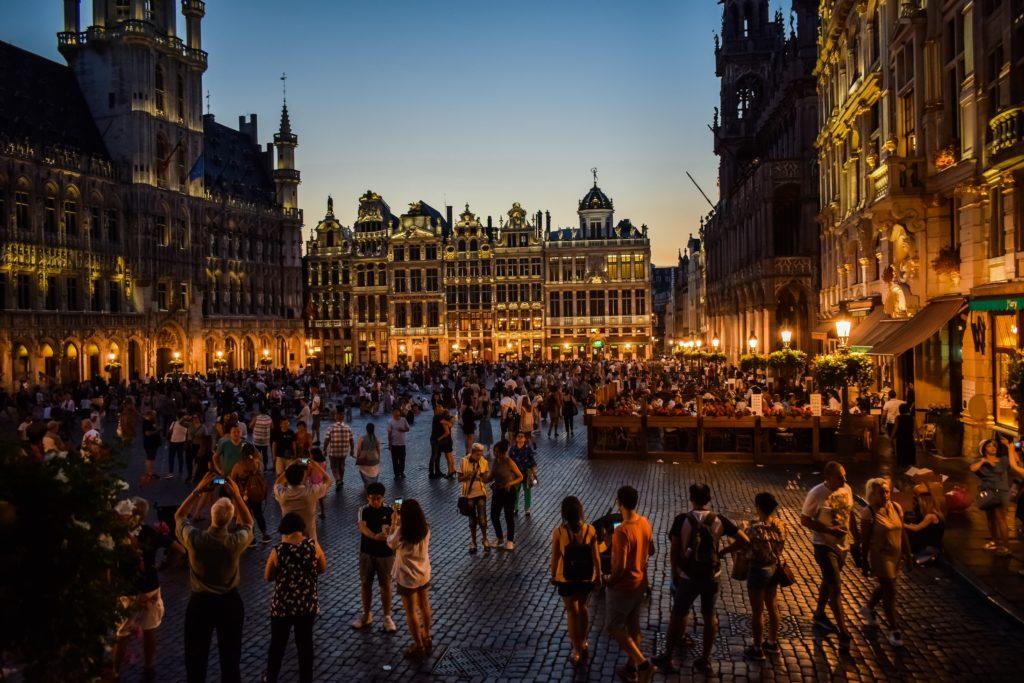 La grand-place de nuit - le centre historique