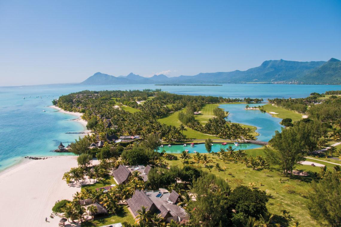 Beachcomber Hotels & Resorts; Mauritius; Île Maurice; Paradis Hotel and Golf Club; 5-star; All-inclusive; Travel; Voyage; Tourism; Tourisme; Holiday; Vacation; Congé; Land sports; Sports terrestres; Sea view; vue sur la mer; Beach view; vue sur la plage; Ocean view; vue sur l'océan; Golf;