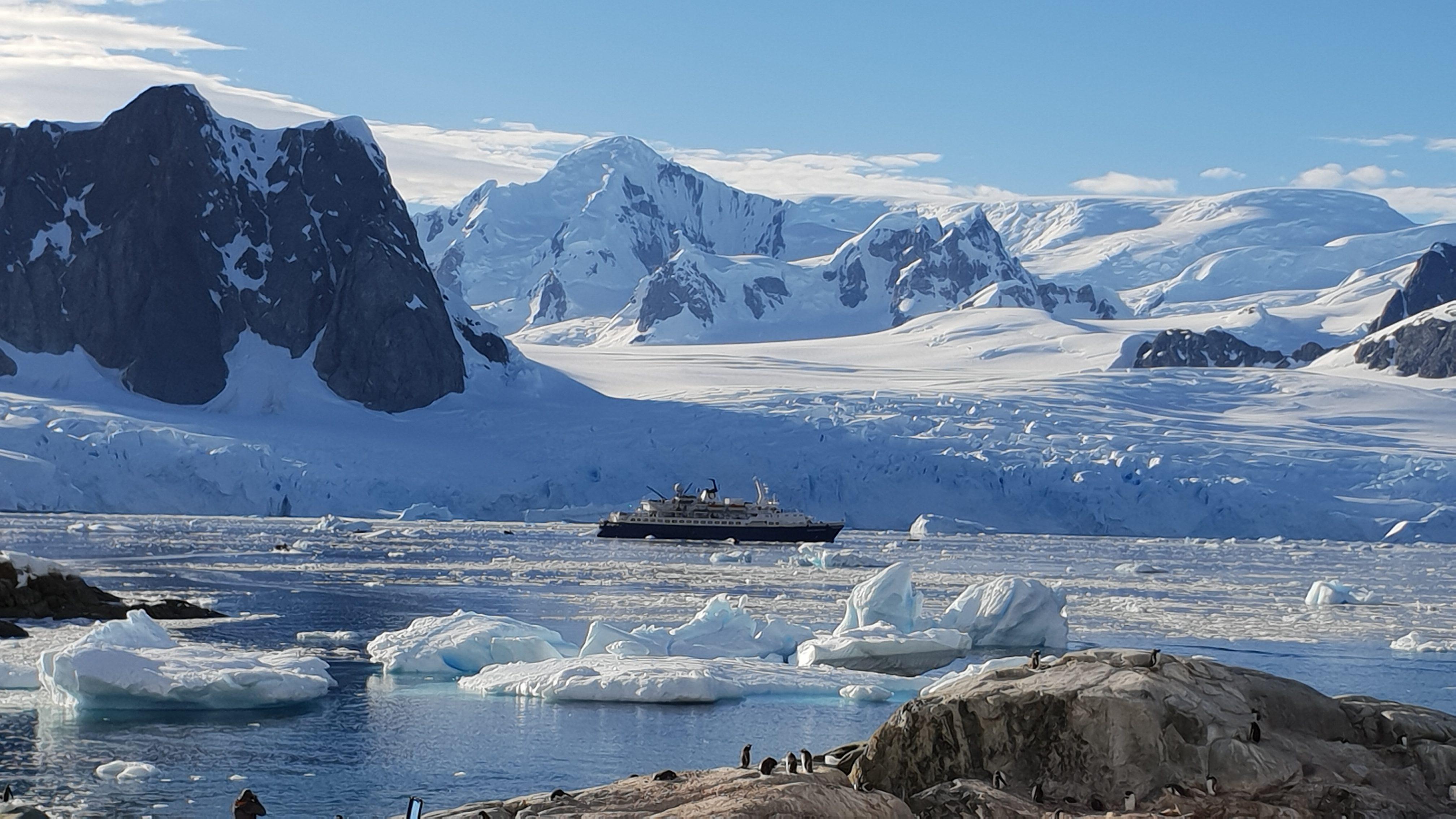 antarctique_bateau_excursioncoup_de_coeur