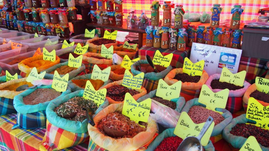 Épices au marché