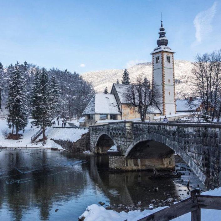 Lac Bohinj en hiver, Slovénie